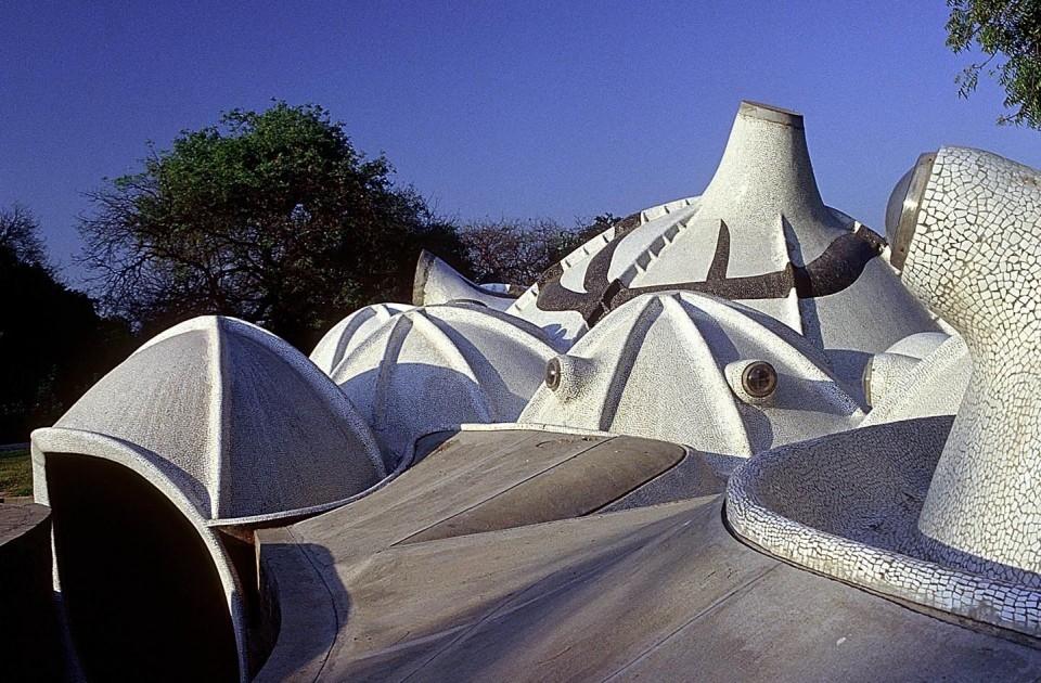Architecte Balkrishna Doshi (1927) Dômes (1992-1995) Galerie d'Art Underground – Ahmedabad, Inde