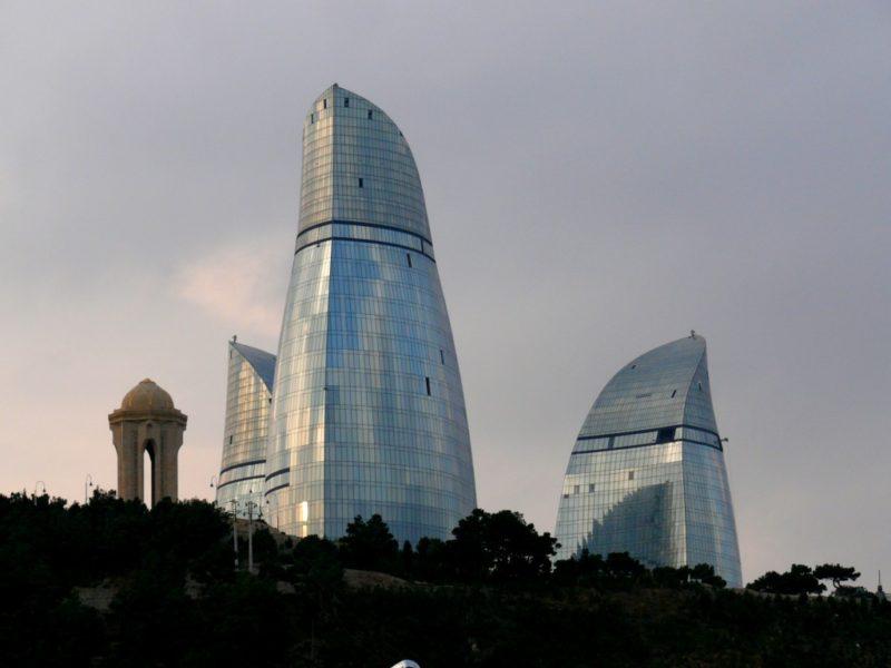 Architecture – Hôtel Flame Towers & Bureaux à Bakou, Azerbaïdjan (Asie)