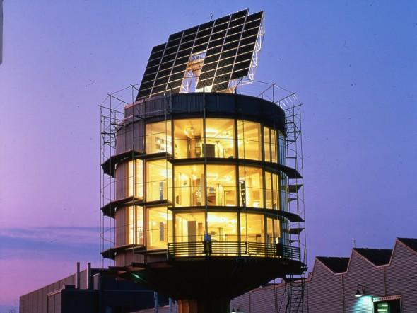 Architecte Rolf Disch (1944) Maison Passive Solaire Cylindrique Heliotrop Tournante (1994 )